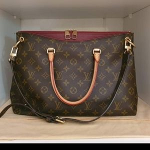 Louis Vuitton Pallas MM Monogram Canvas